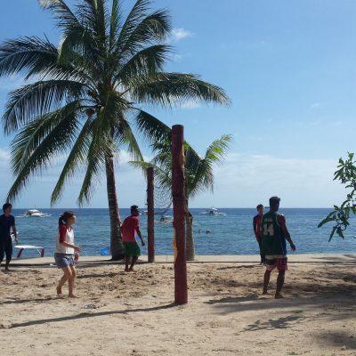 Voley Playa en Alona Beach centro buceo filipinas